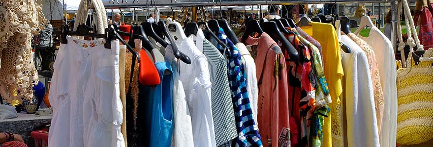 Vide dressing et vêtements de seconde main