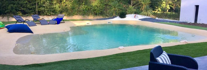 piscines avec plages en caoutchouc